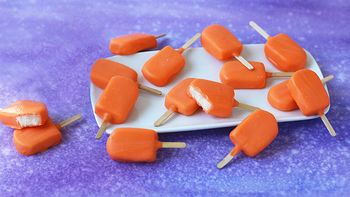 Orange Creamsicle™ Candy Pops
