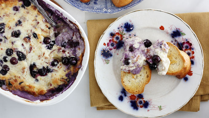 Bacon-Blueberry White Cheddar Dip
