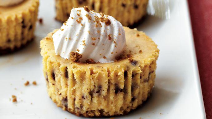 Pumpkin-Gingersnap Cheesecakes