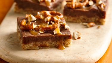 Chocolate Peanut Butter Pretzel Bars