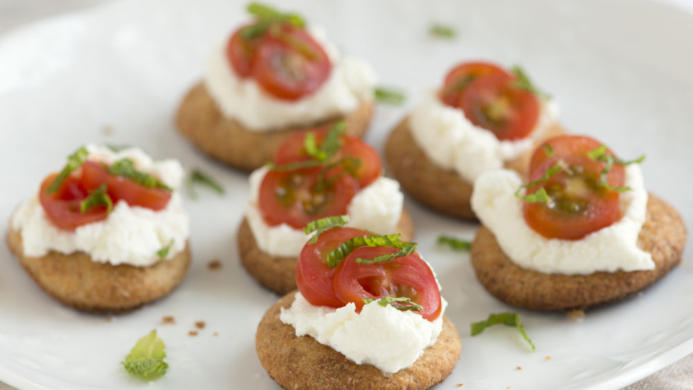 Easy Tomato Bites with Ricotta