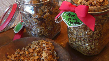 Homemade Granola Gift Jars