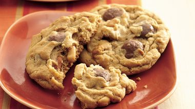 Peanutty Candy Bar Cookies