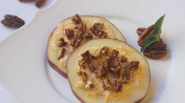 Rodajas de Manzana con Nueces y Queso Cheddar