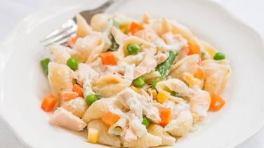 Ensalada Fría de Pasta, Atún y Vegetales