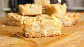 Cheddar Apple Pie Bars