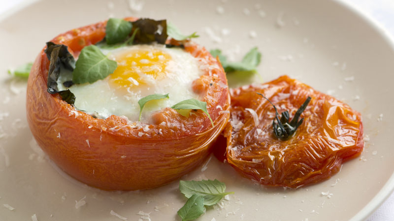 Baked Tomatoes with Eggs