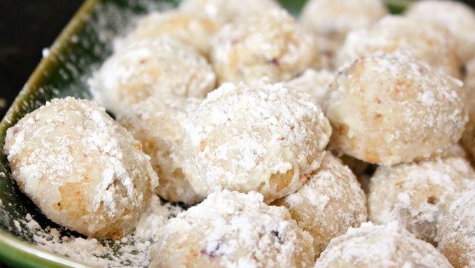 Sugar's Browned-Butter Pecan Balls