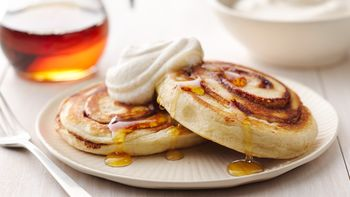 Cinnamon Roll Pancakes with Pumpkin Spice Whipped Cream