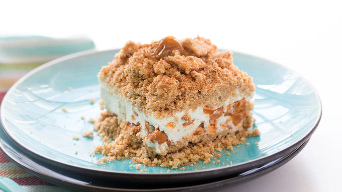 Frozen Snickerdoodle Crunch Cake