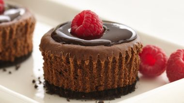 Skinny Mini Chocolate Cheesecakes