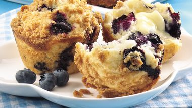Streusel-Topped Blueberry Muffins