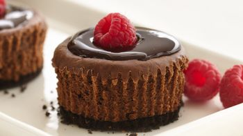 Skinny Mini Chocolate Cheesecakes