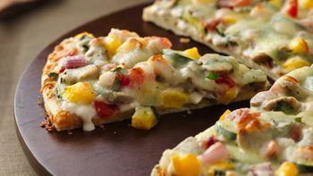 Garden-Fresh Alfredo Pizza