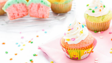 Easy, Colorful Easter Cupcakes