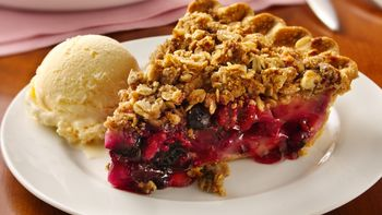 Berry-Pear Crisp Pie