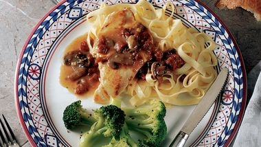 Fettuccine with Chicken and Sun-Dried Tomato Sauce