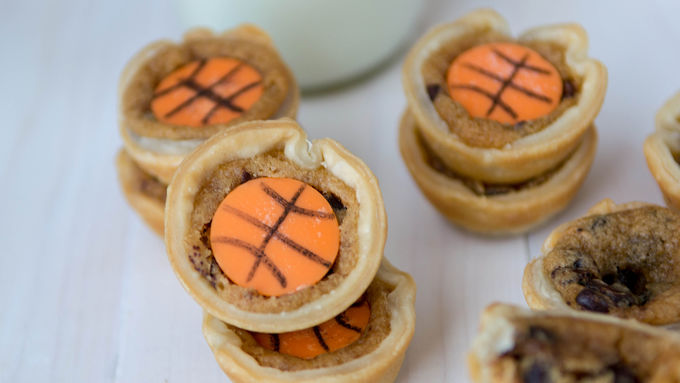 Basketball Mini Cookie Pies