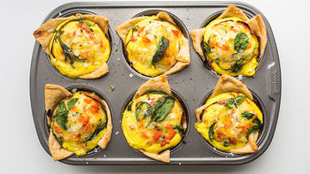 Cheesy Bacon Muffin Tin Breakfast Quiches