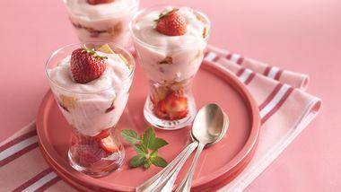 Crunchy Yogurt Sundaes
