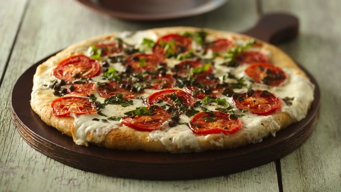 Skinny Fresh Mozzarella and Tomato Pizza