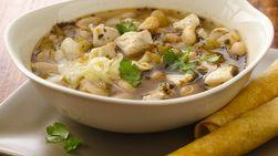 Sopa de Pollo y Frijoles Blancos