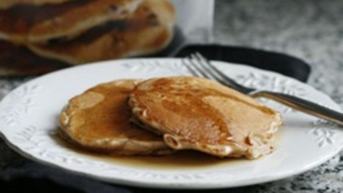 Easy Apple Cinnamon Pancakes