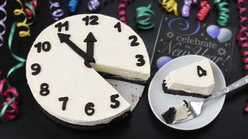 Black and White Cheesecake Clock