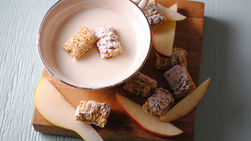 Fondue de Chocolate Blanco con Frutas y Cereales