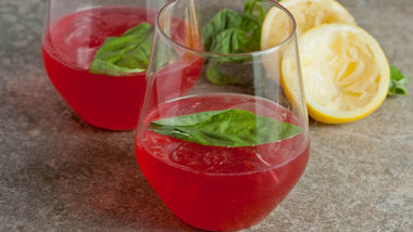 Blackberry-Basil Spritzer