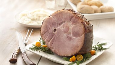 Baked Ham with Brown Sugar Glaze (Crowd Size)