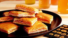 Egg And Bacon Slab Pie Recipe Pillsbury Com