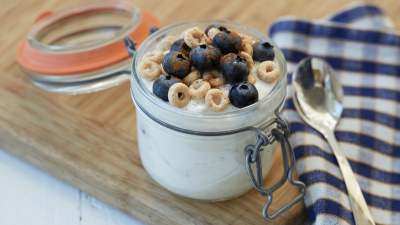 Blueberry-Cinnamon Overnight Oats