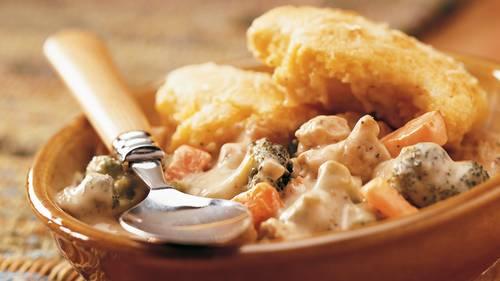 Cornbread-Topped Chicken Pot Pie Recipe - BettyCrocker.com