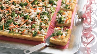 Caesar Chicken and Veggie Appetizer Pizza
