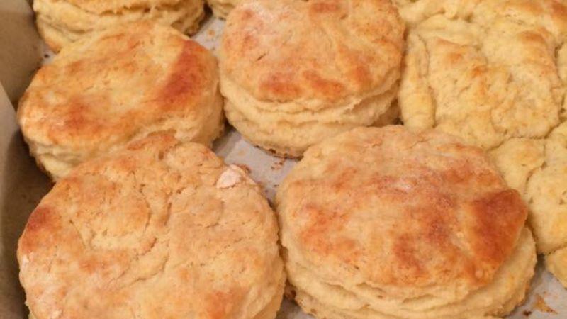 Super Flaky, Fluffy Buttermilk Biscuits