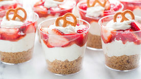 Strawberry Pretzel Yogurt Salad Cups