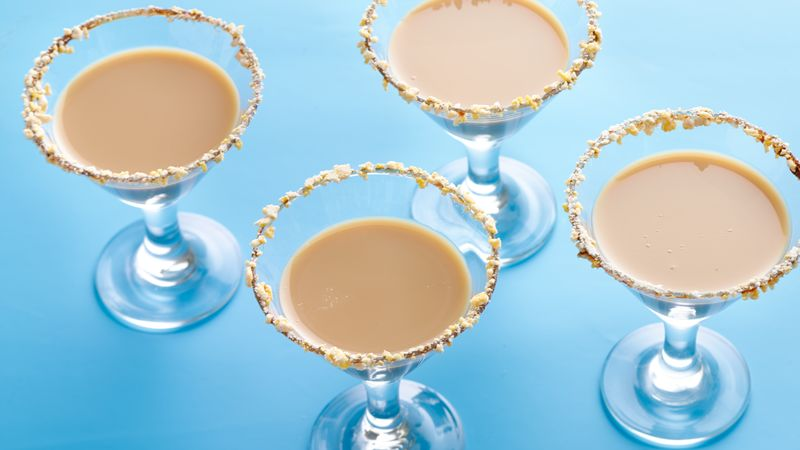 Muddy Buddies® Snickerdoodle Mocha Martinis