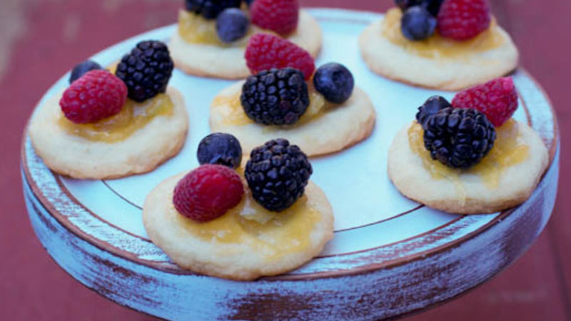 Mini Lemon Berry Pizzas