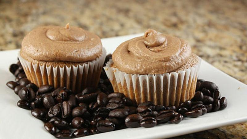 Buzz Cupcakes