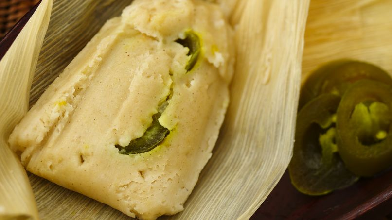 Tamales with Cheese and Jalapeño Filling