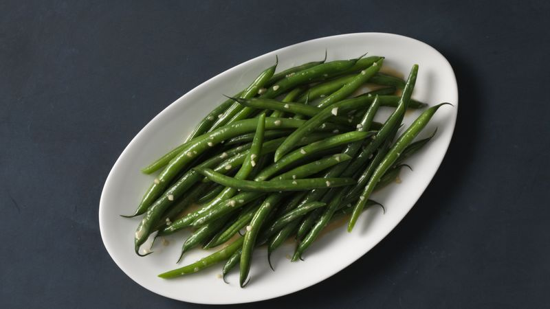 Garlicky Green Beans Recipe - BettyCrocker.com