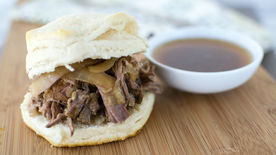 Slow-Cooker Pulled Beef Sammies