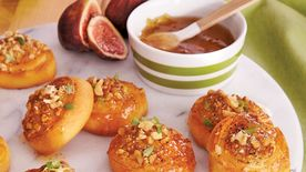 Fig-Walnut Crescent Rounds
