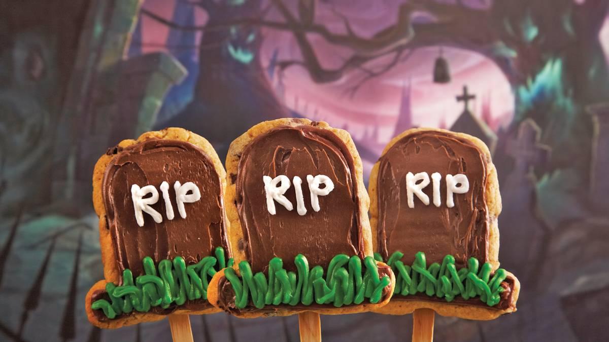 Sucettes biscuits en forme de pierre tombale
