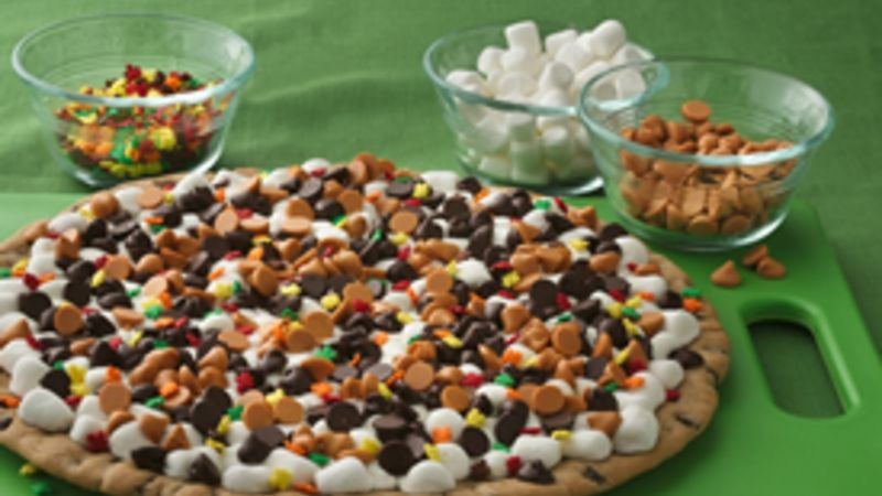 Thanksgiving Cookie Pizza