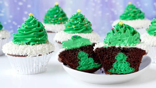 Cheesecake Stuffed Christmas Tree Cupcakes Recipe Tablespoon Com