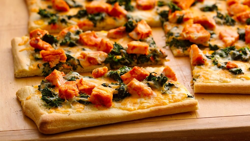 Spicy Chicken and Spinach Pizza