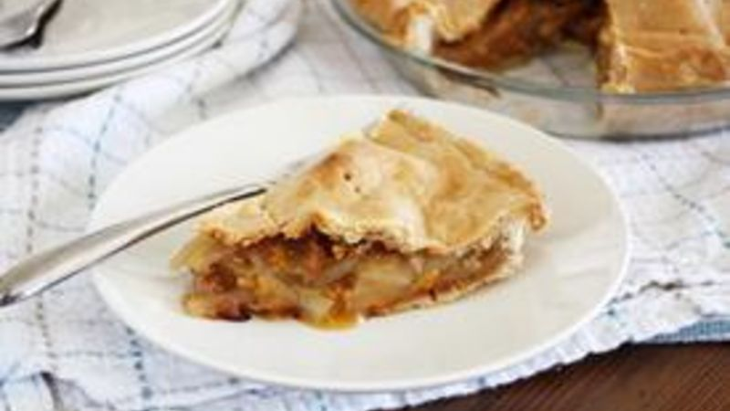 Maple, Apple and Cheddar Pie