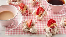 Strawberry No-Bake Cereal Bites